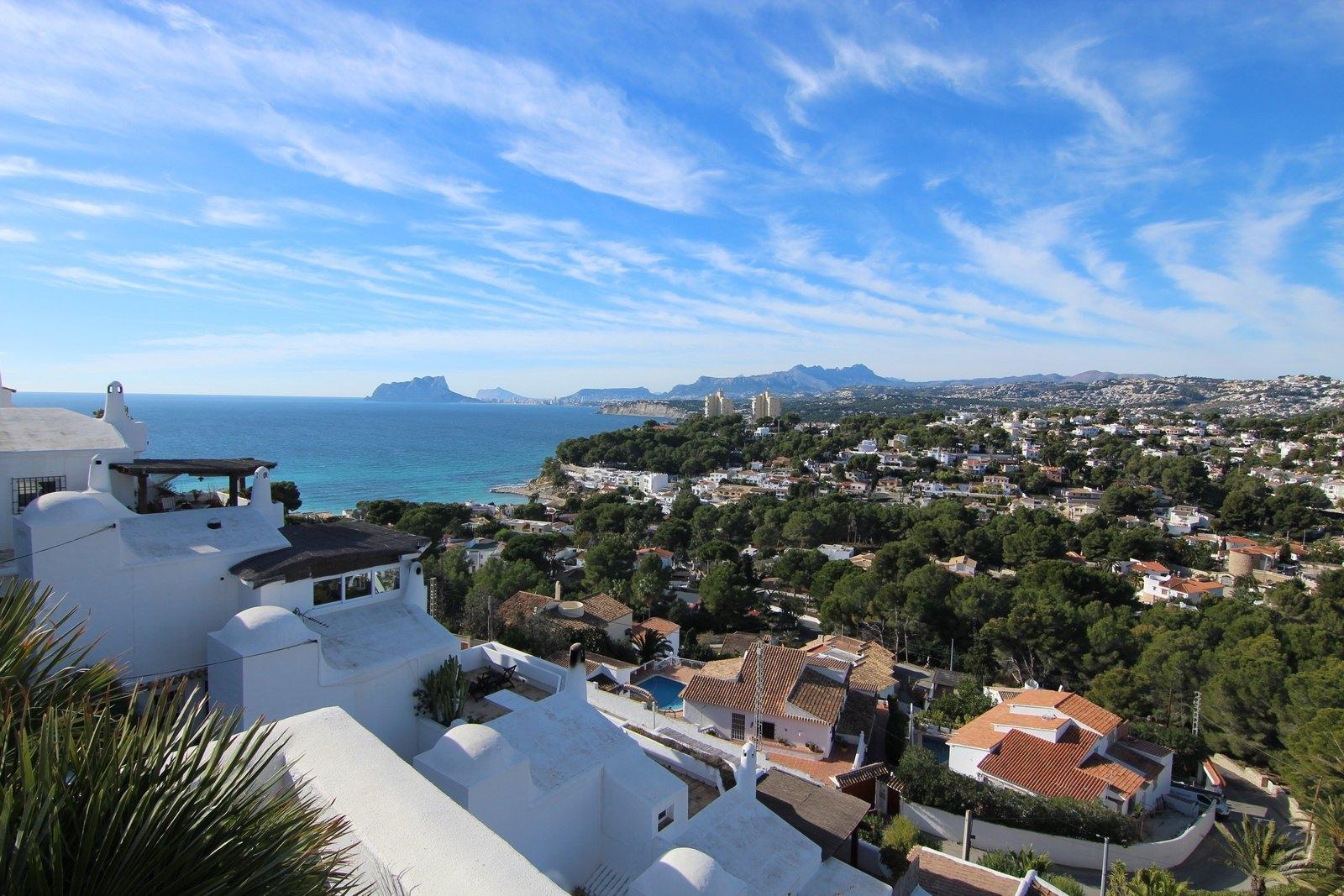 Dweling in El Portet with fantastic sea views.