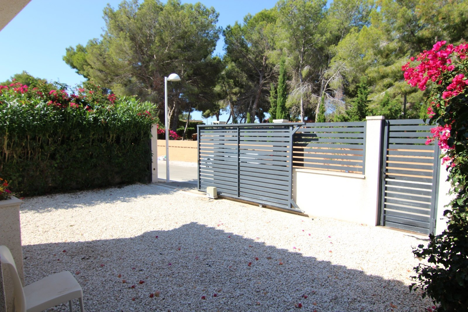 Modern semidetached for sale with pool in Moraira.