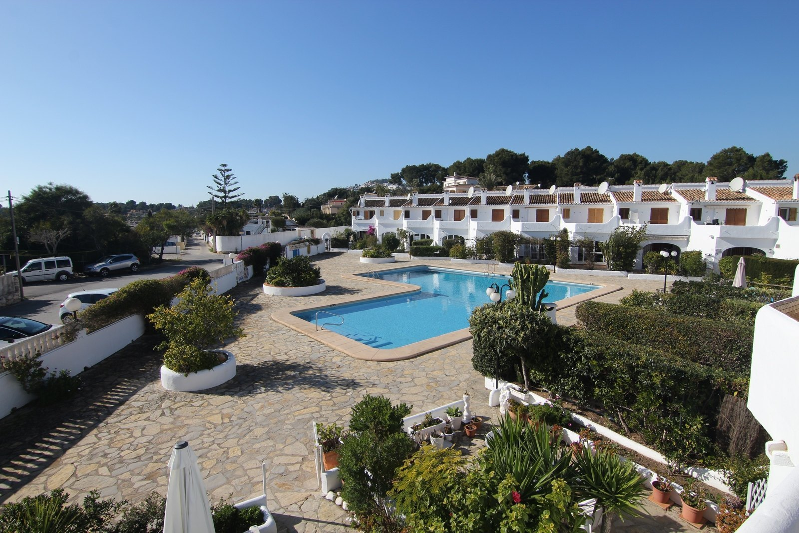 Terraced house with pool for sale in Moraira.